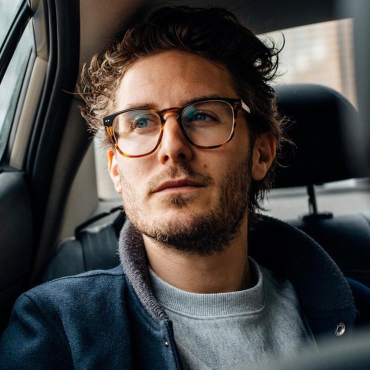 انواع فرم عینک مناسب آقایان