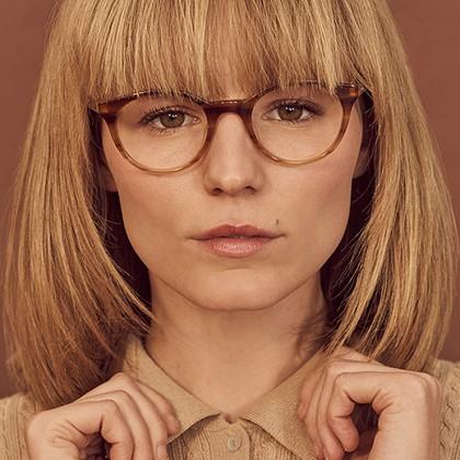 عینک مناسب صورت مربع شکل