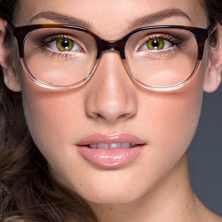 عینک طبی و آرایش صورت