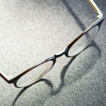 نسخه نمره چشم چیست و چگونه آن را بخوانیم؟